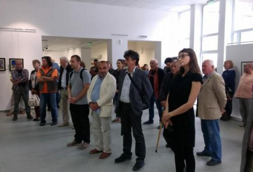 35 художници наредиха 70 творби за юбилей