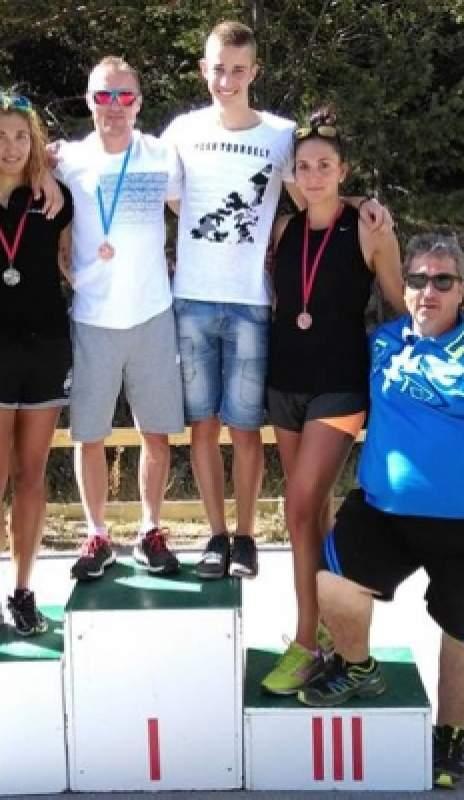 Четири медала грабнаха бански биатлонисти