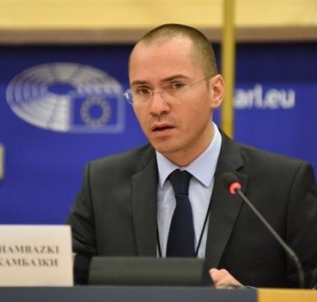 Джамбазки алармира Европа за новата гръцка блокада