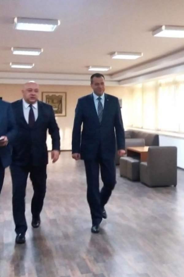 Министър Кралев в Благоевград: До 14 спортисти се хващат с допинг