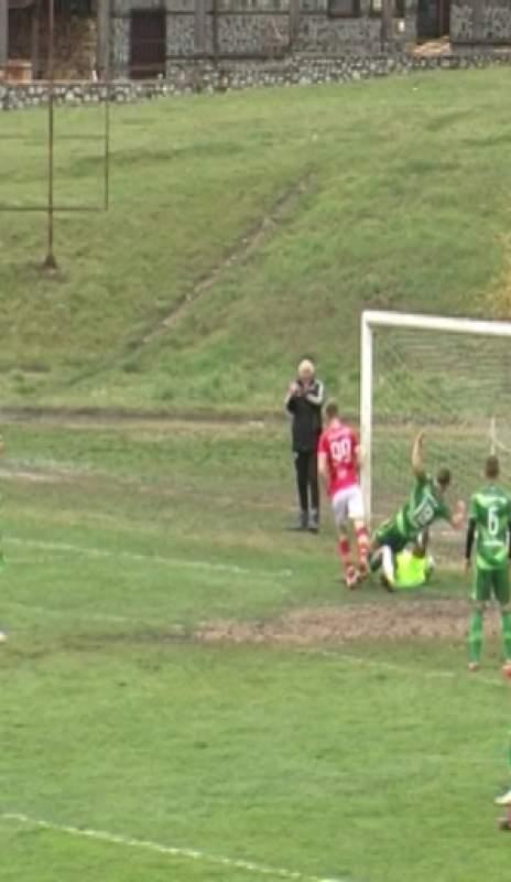 (видео) Катастрофа в Банско претърпяха футболистите на Ботевград