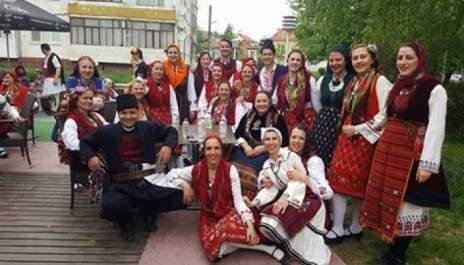 Разложки танцьори надиграха над 400 колеги на фестивал