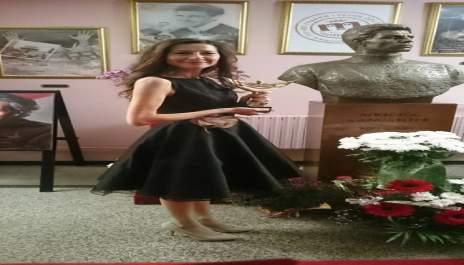"""(снимки) Благоевградска куклена актриса стана """"Любимец 13"""""""