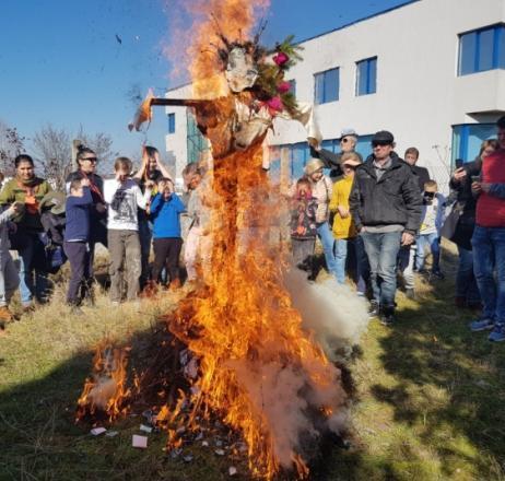 (снимки) Край! Няма го лошото! Изгоря!