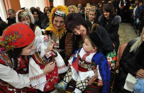 Разлог изпревари Дупница, Сандански и Петрич по бебета