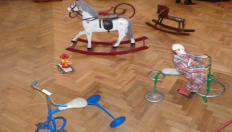 С какви играчки са си играли баба и дядо?