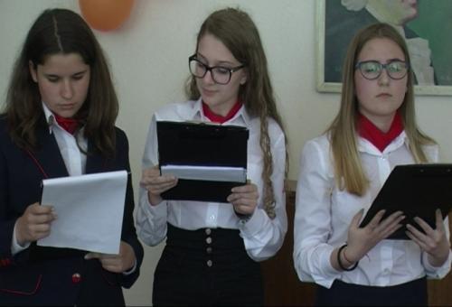"""""""Клопките"""" на фалшивите новини дебатираха неврокопски ученици"""