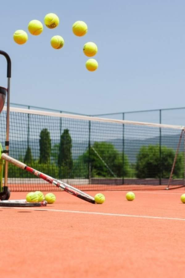 Тенис турнир на детския празник… за пораснали