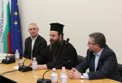 Митрополит Серафим говори за традиции и модерност в ЮЗУ