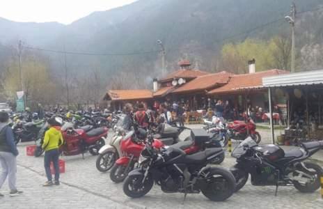 Мотористи окупират  Предела навръх Илинден